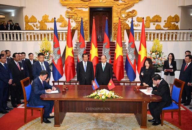 Hai Thủ tướng Việt Nam, Campuchia hội đàm - 2