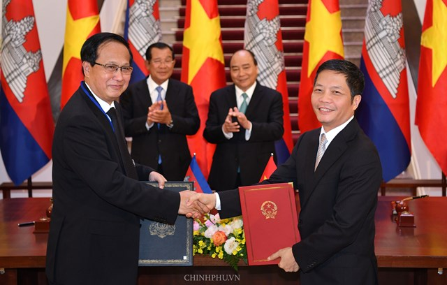 Hai Thủ tướng Việt Nam, Campuchia hội đàm - 4