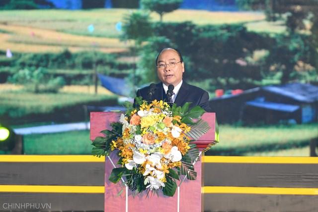 Non nước Cao Bằng đón nhận danh hiệu Công viên địa chất toàn cầu