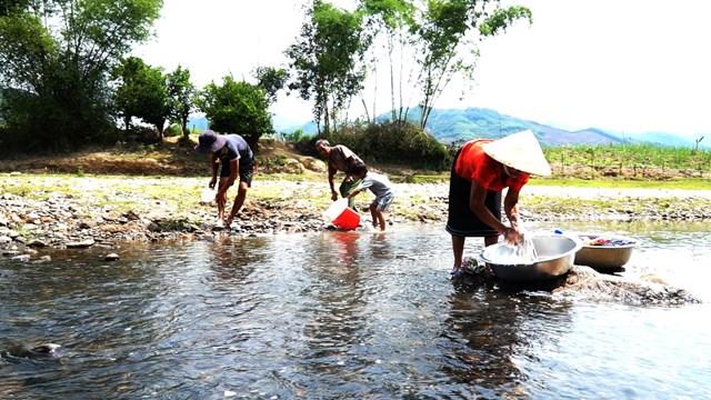 Quảng Nam, Quảng Ngãi: Khốn đốn vì thiếu nước sinh hoạt - 1