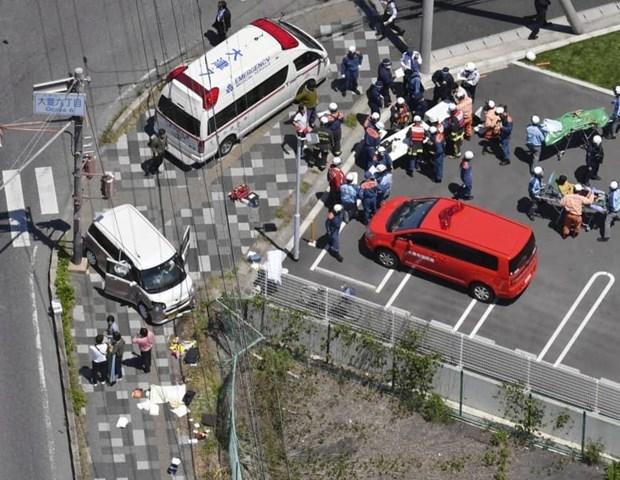 Ôtô lao vào đường cho người đi bộ, nhiều trẻ mẫu giáo bị thương nặng