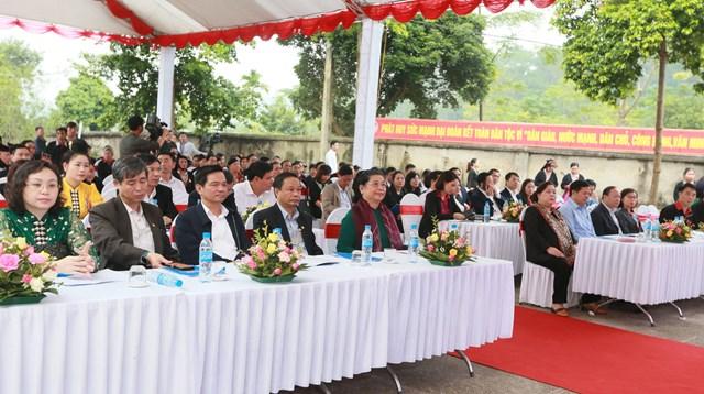 Phó Chủ tịch Thường trực Quốc hội Tòng Thị Phóng dự Ngày hội Đại đoàn kết tại xã Ba Vì, Hà Nội - 1