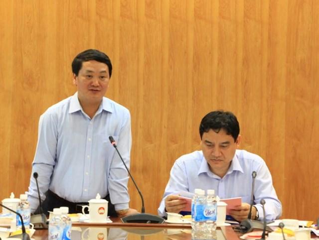 BẢN TIN MẶT TRẬN: Phó Chủ tịch - Tổng Thư ký Hầu A Lềnh duyệt Đại hội Mặt trận tỉnh Nghệ An