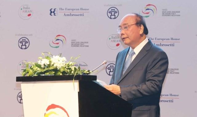 Thủ tướng Nguyễn Xuân Phúc: Nhìn về hướng Đông, hãy chọn Việt Nam