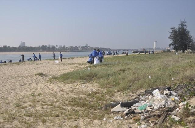 Quảng Bình kêu gọi cộng đồng cùng bảo vệ môi trường biển