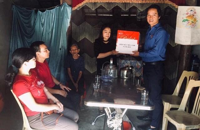 Hà Tĩnh: Huy động hơn 1.400 thanh niên tình nguyện tiếp sức mùa thi THPT quốc gia 2019 - 1