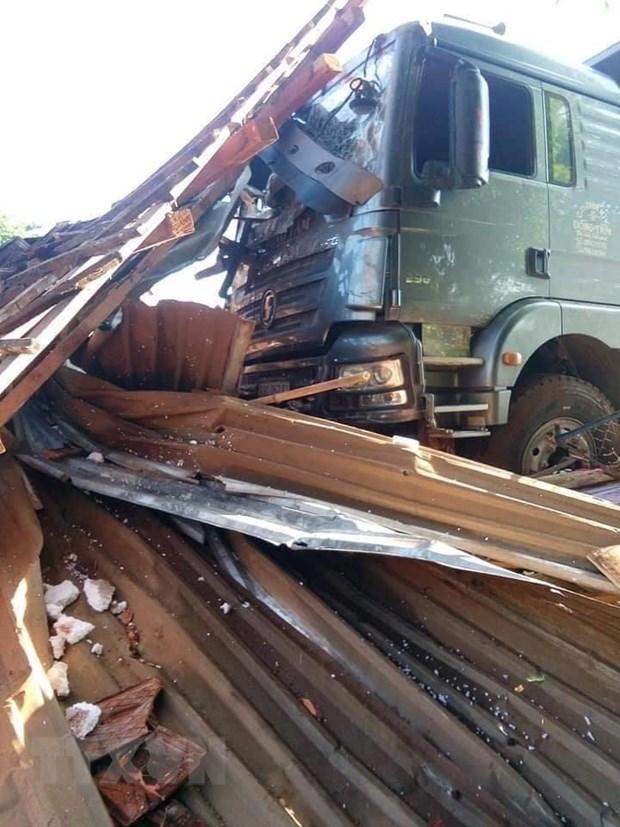 Bình Phước: Xe ben đâm sập nhà dân ở ven đường, 2 vợ chồng thiệt mạng - 1