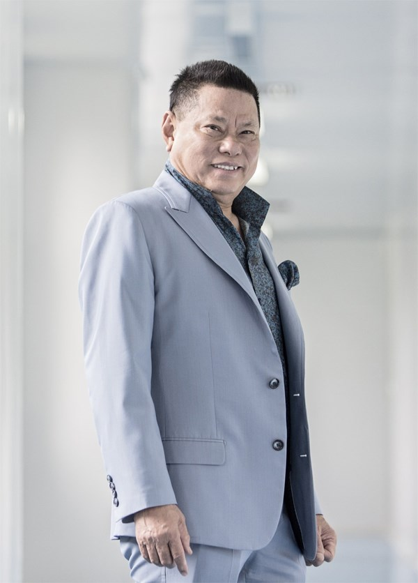 Tỷ phú Hoàng Kiều tuyên bố sẽ khởi kiện Sky Music