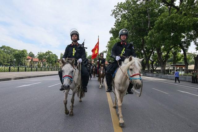 Ra mắt Đoàn Cảnh sát cơ động Kỵ binh - 3