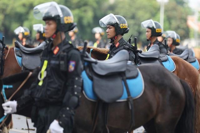 Ra mắt Đoàn Cảnh sát cơ động Kỵ binh - 9