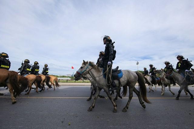 Ra mắt Đoàn Cảnh sát cơ động Kỵ binh - 4