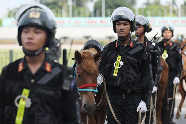 Ra mắt Đoàn Cảnh sát cơ động Kỵ binh - 8