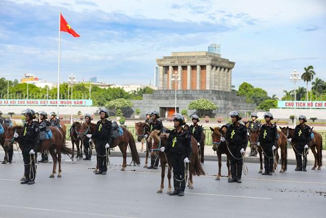 Ra mắt Đoàn Cảnh sát cơ động Kỵ binh - 6