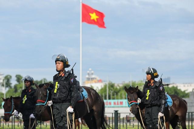 Ra mắt Đoàn Cảnh sát cơ động Kỵ binh - 10