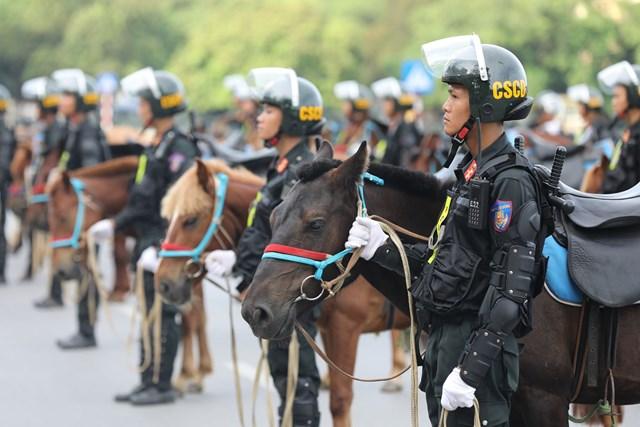Ra mắt Đoàn Cảnh sát cơ động Kỵ binh - 7