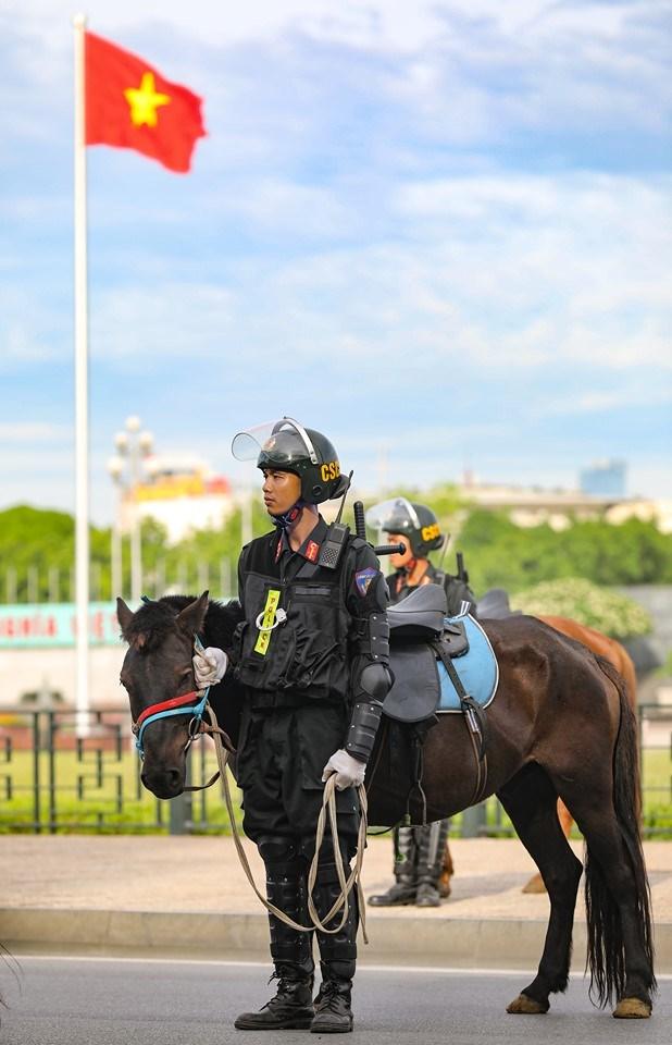 Ra mắt Đoàn Cảnh sát cơ động Kỵ binh - 11