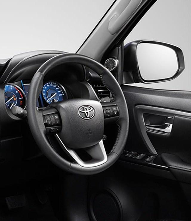 Toyota Fortuner phiên bản nâng cấp 2021 có gì mới? - 11