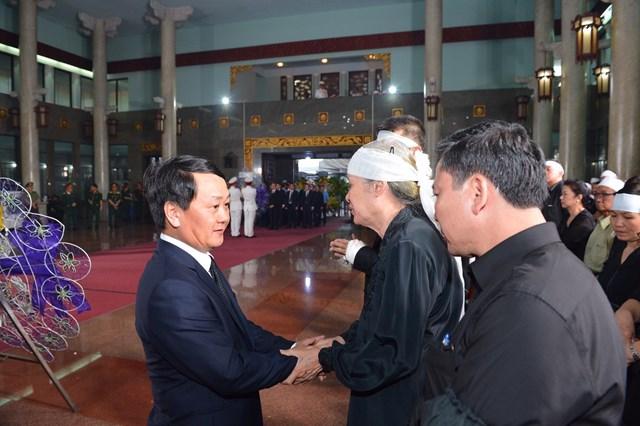 Lãnh đạo Đảng, Nhà nước, MTTQ Việt Nam viếng ông Trần Quốc Hương - 4