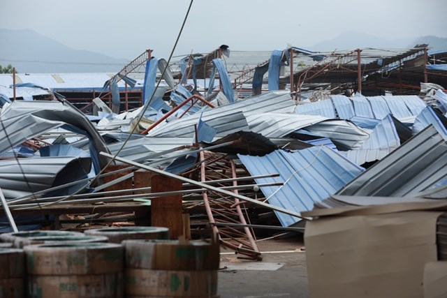 Mặt trận Trung ương thăm hỏi và hỗ trợ nạn nhân trận dông lốc ở Vĩnh Phúc - 6