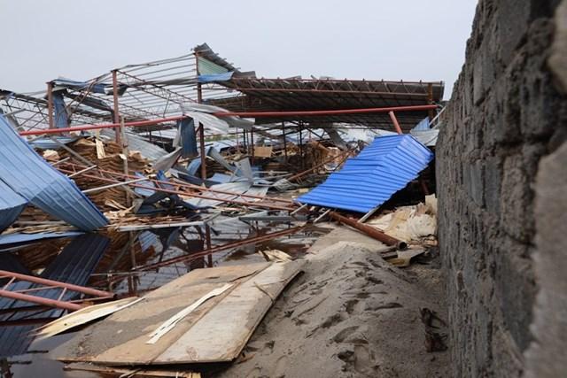 Mặt trận Trung ương thăm hỏi và hỗ trợ nạn nhân trận dông lốc ở Vĩnh Phúc - 5