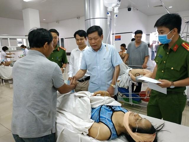 Lãnh đạo tỉnh Đắk Nông thăm hỏi nạn nhân vụ tai nạn liên hoàn - 2
