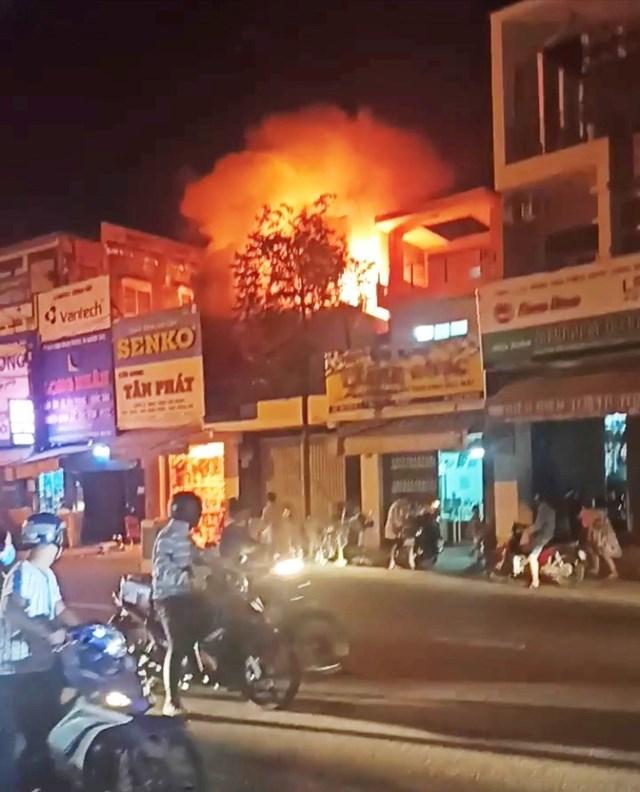 Bình Định: Cháy cửa hàng điện máy vắng chủ