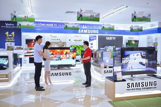 Mua hàng điện máy tại VinPro và Viễn Thông A trúng ngay 'nhà đẹp – xế yêu' đón Tết - 1