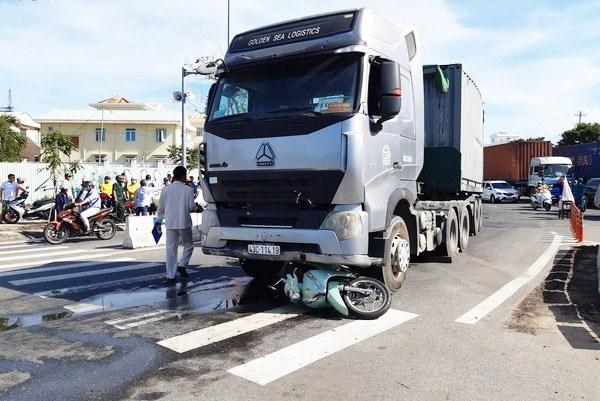 Đà Nẵng: Bé trai 6 tuổi tử vong do bị cuốn vào gầm xe Container