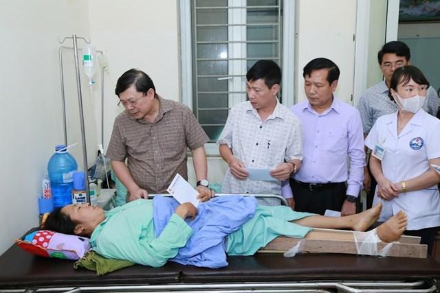 Mặt trận Trung ương thăm hỏi và hỗ trợ nạn nhân trận dông lốc ở Vĩnh Phúc - 3