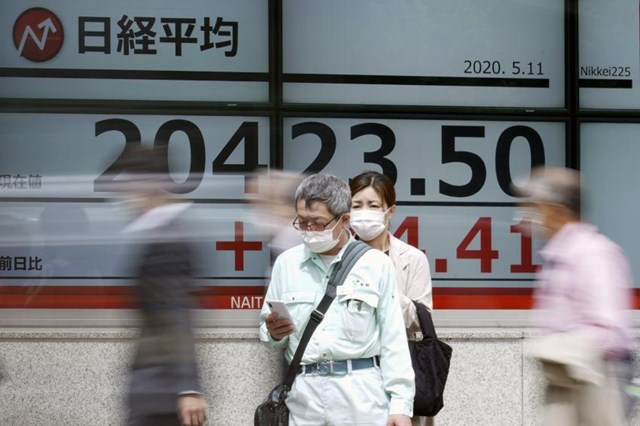 Nhật Bản bổ sung gói ngân sách thứ hai đối phó Covid-19