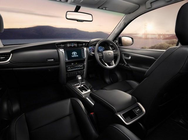 Toyota Fortuner phiên bản nâng cấp 2021 có gì mới? - 10