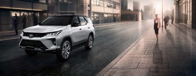Toyota Fortuner phiên bản nâng cấp 2021 có gì mới? - 22