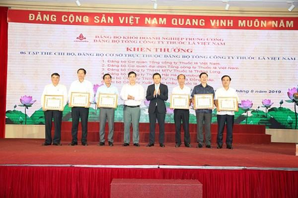 Học tập làm theo tấm gương đạo đức Hồ Chí Minh - 1