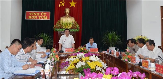 Đoàn công tác của Ban Bí thư làm việc tại Kon Tum
