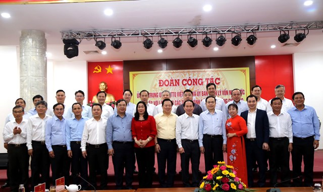 Chủ tịch Trần Thanh Mẫn chụp hình lưu niệm với Chủ tịch Ủy ban MTTQ Việt Nam các tỉnh, thành ĐBSCL.