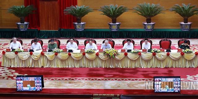 Lãnh đạo Đảng, Nhà nước chủ trì Hội nghị. Ảnh: noichinh.vn.
