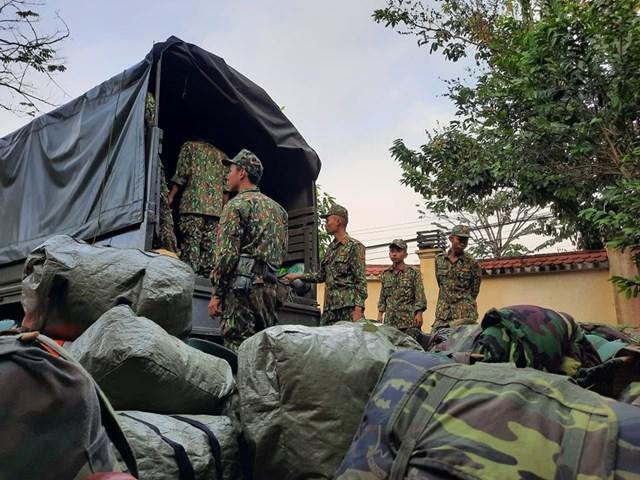 Cán bộ chiến sĩ Quân khu 5 đã đến Bắc Trà My, chuẩn bị công tác tìm kiếm cứu nạn tại Nam Trà My. Ảnh: Báo Quảng Nam.