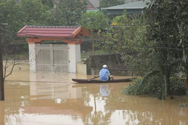 Nghệ An: 5 người chết và mất tích do mưa lũ
