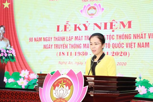 Bà Võ Thị Minh Sinh - Chủ tịch Ủy ban MTTQ Việt Nam tỉnh Nghệ An phát biểu tại buổi lễ kỷ niệm