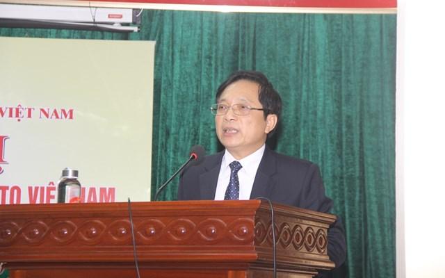 Ông Lê Hồng Sơn, Phó Chủ tịch Ủy ban MTTQ tỉnh Quảng Trị phát biểu tại Hội nghị.