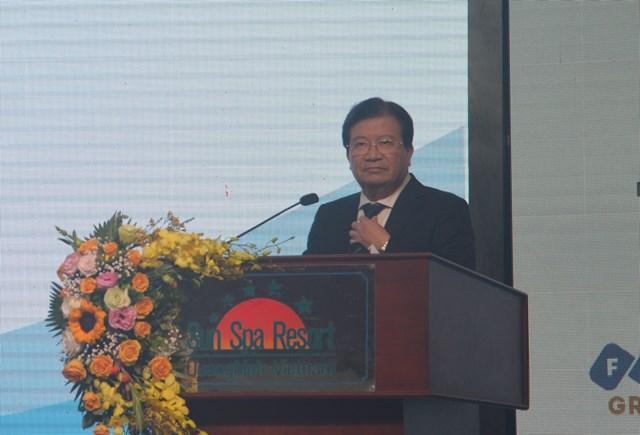 Phó Thủ tướng Chính phủ Trịnh Đình Dũng phát biểu tại hội nghị.