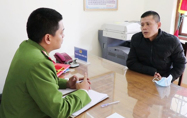 Trần Sỹ Hường tại cơ quan Công an.