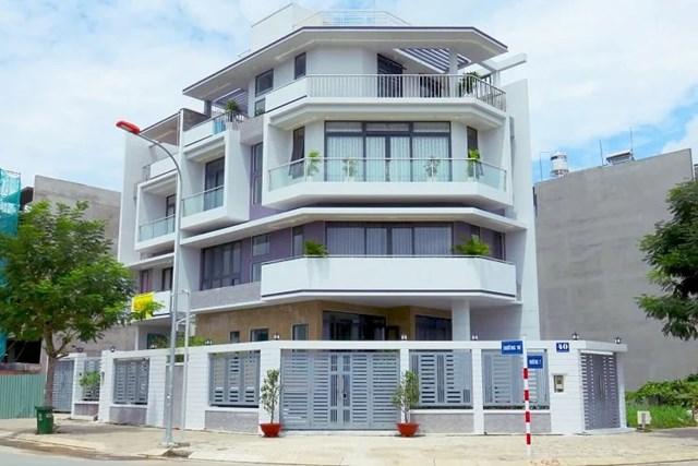 Nhà xây sẵn để rao bán thường mới và đẹp.