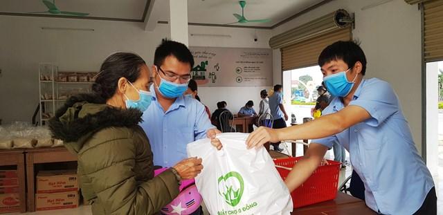 Một việc làm tử tế đối với người nghèo