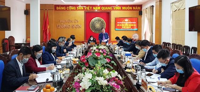 Phó Chủ tịch UBTƯ MTTQ Việt Nam Ngô Sách Thực phát biểu tại buổi làm việc với MTTQ huyện Đông Sơn.
