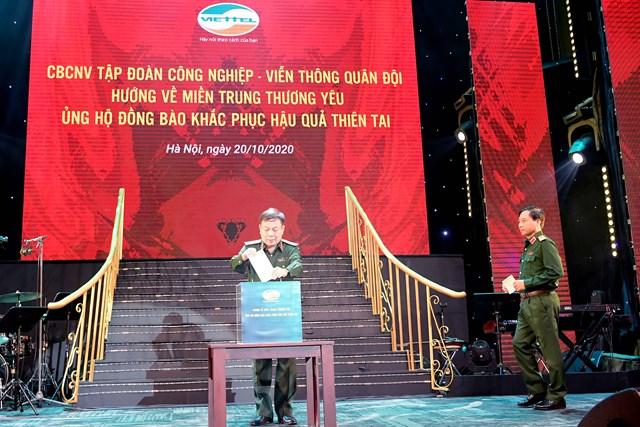 Cán bộ, nhân viên Viettel quyên góp 10 tỷ đồng hỗ trợ đồng bào miền Trung - Ảnh 1