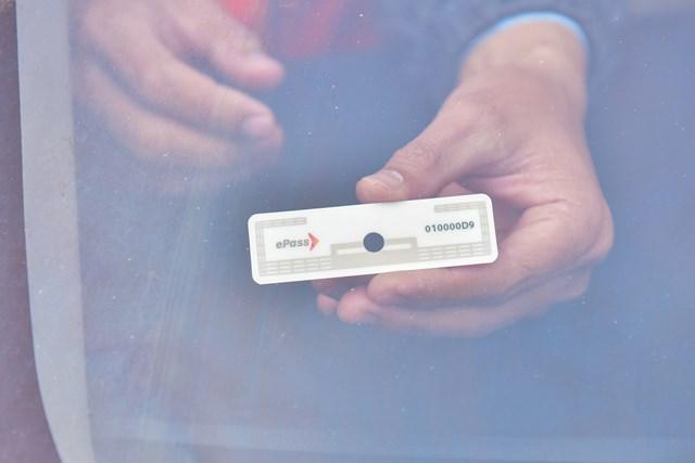 ThẻePass được gắn lên các phương tiện
