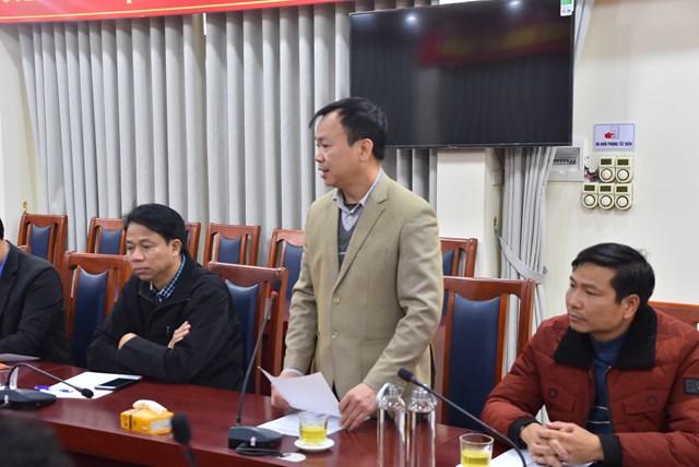 Đại diện các đơn vị thi công báo cáo tiến độ công trình tại buổi làm việc.
