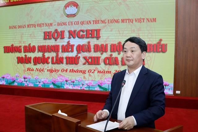 Phó Chủ tịch – Tổng Thư ký Hầu A Lềnh phát biểu quán triệt tại Hội nghị.Ảnh: Quang Vinh.