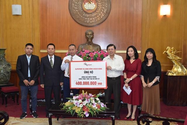Phó Chủ tịch Nguyễn Hữu Dũng tiếp nhận ủng hộ từ Elipsport.
